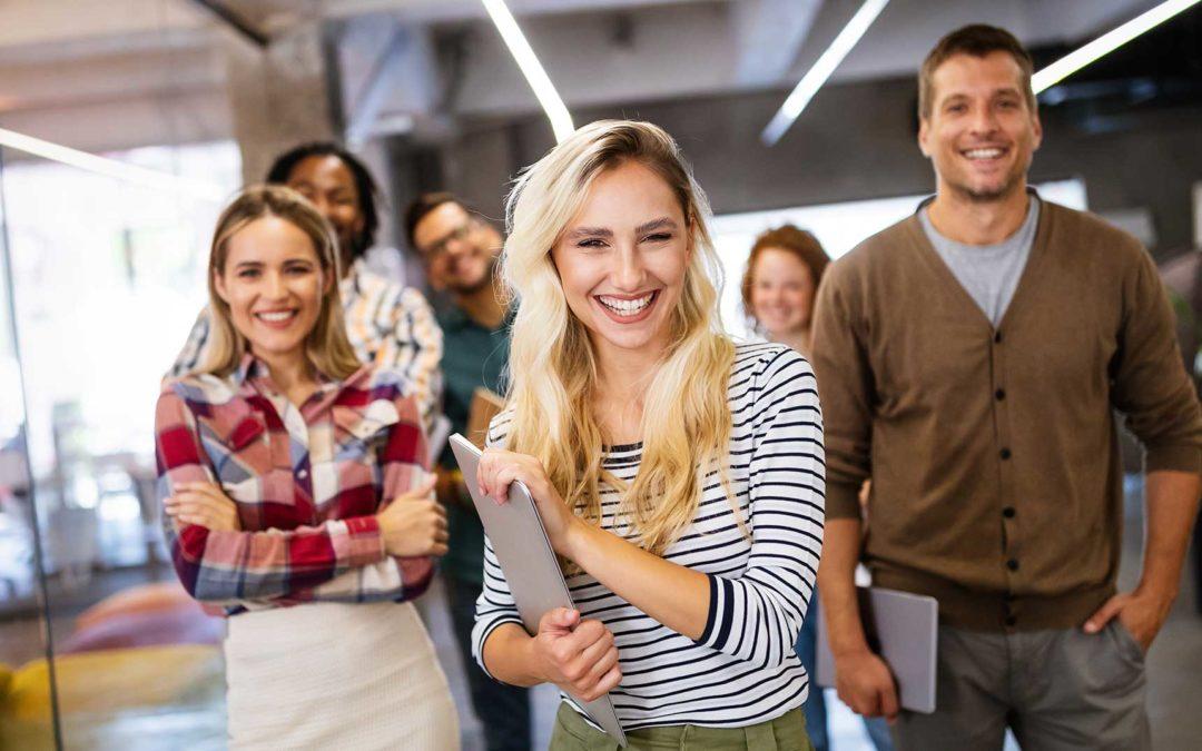 Cómo conseguir trabajo en España   Descubre el paso a paso, requisitos ¡y más!