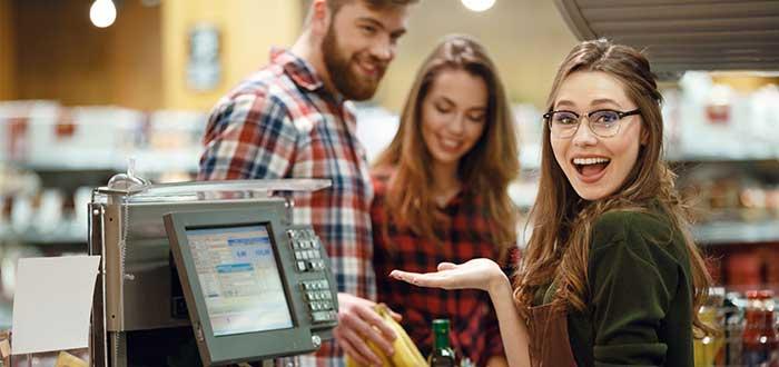 trabajos-en-irlanda-para-estudiantes-cajero