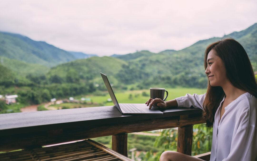 Teletrabajar en el exterior | ¡Aplica estos tips y trabaja donde quieras!